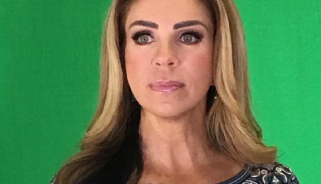 FOTO Rocío Sánchez Azuara confirma muerte de su hija por lupus (Twitter)