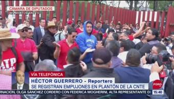FOTO: Video Empujones Plantón CNTE Cámara Diputados