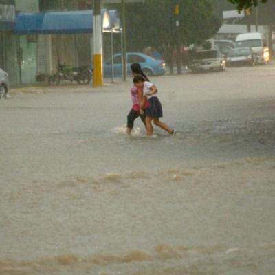 Huracán 'Lorena' provocará lluvias torrenciales en Baja California Sur y Sonora