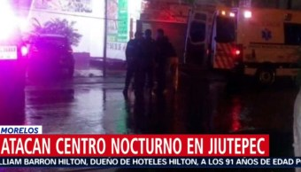 Foto: Paramédicos que acudieron a la zona atendieron a dos hombres y una mujer lesionados y fueron trasladados a un hospital para su tratamiento, 23 de septiembre de 2019 (Noticieros Televisa)