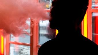 FOTO Trump prohibirá venta de vapeadores o cigarros electrónicos con sabores (AP, archivo)
