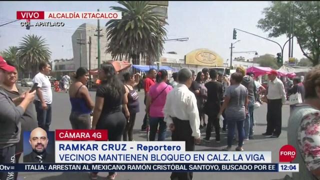 Vecinos mantienen bloqueo en La Viga por escasez de agua potable