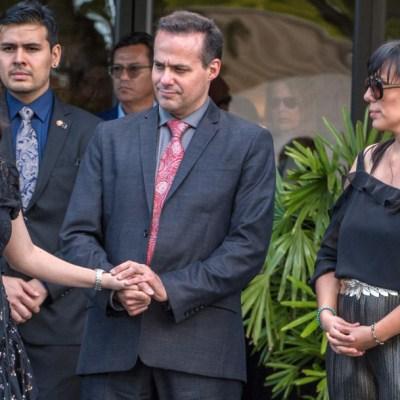 Entre lágrimas, Sarita reaparece con sus hermanos en velorio de José José