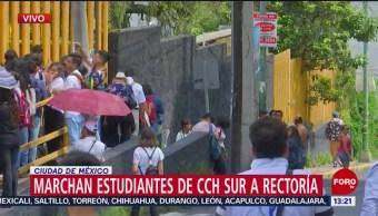 FOTO: Alumnos CCH Sur marchan hacia Rectoría UNAM,