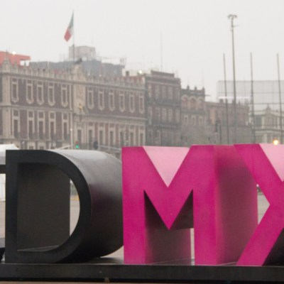 AMLO evalúa festejo por un año de Gobierno en Zócalo CDMX