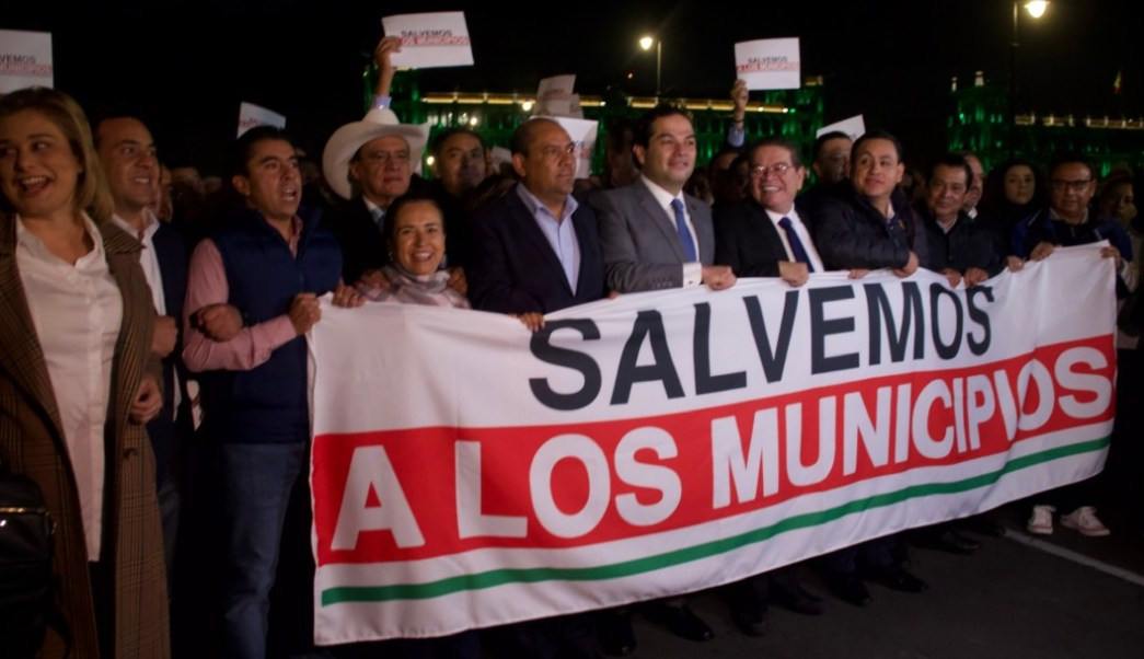 Foto AMLO no recibirá alcaldes tras protestar en Palacio Nacional