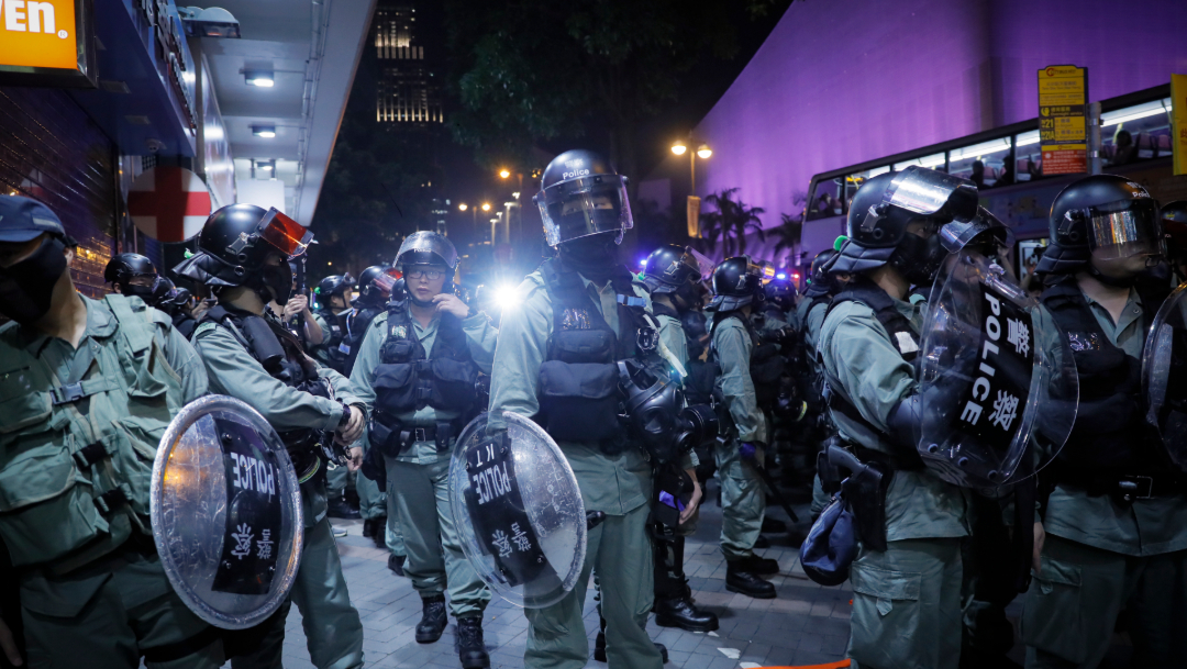 FOTO Apple elimina app, manifestantes en Hong Kong ubicaban así a policías (AP)