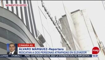 FOTO: Bomberos rescatan dos personas atrapadas elevador CDMX