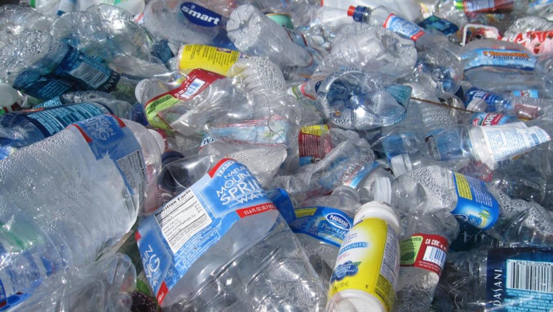 Foto: Botellas de plástico, abril de 2016