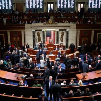 Cámara de Representantes de EU vota por hacer avanzar impeachment contra Trump