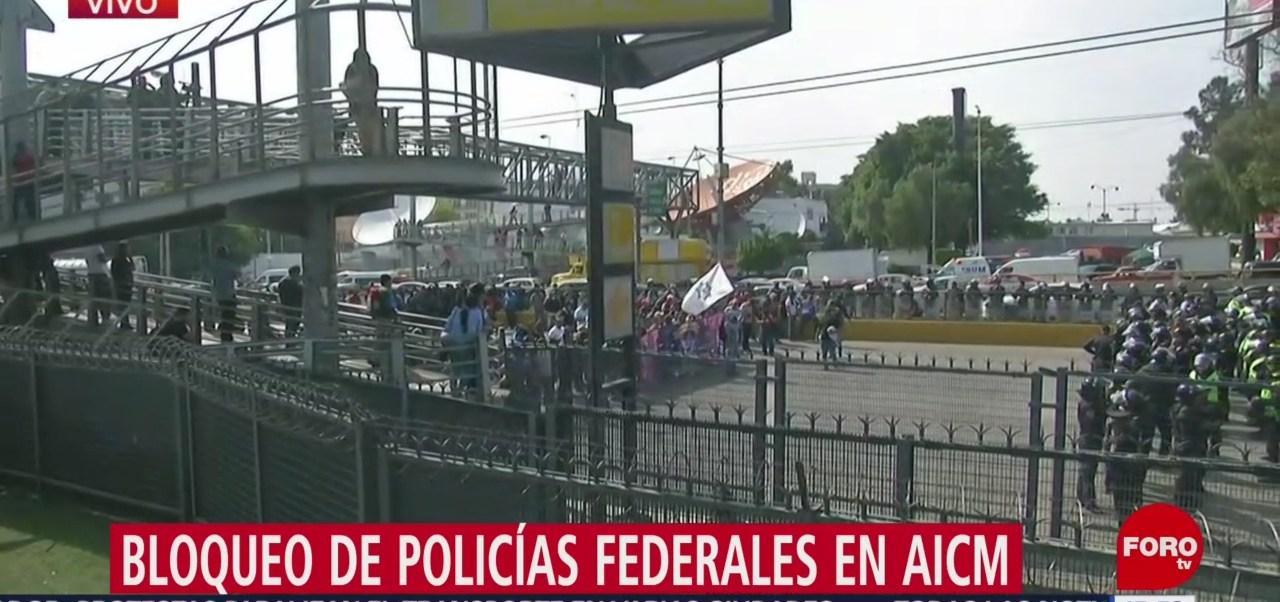 FOTO: Caos Inmediaciones AICM Por Bloqueo Policías Federales