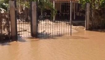 El lodo invadió la comunidad de El Rebalse, 06 octubre de 2019, (Noticieros Televisa)