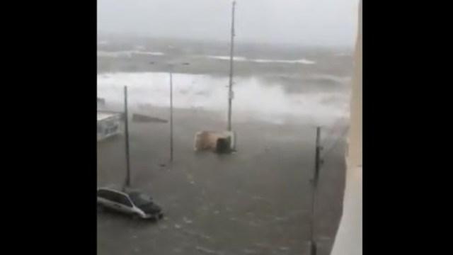 Foto: El mar ya empezó a adentrarse a la ciudad de Boca del Río, Veracruz, 31 de octubre de 2019 (Captura de Video)