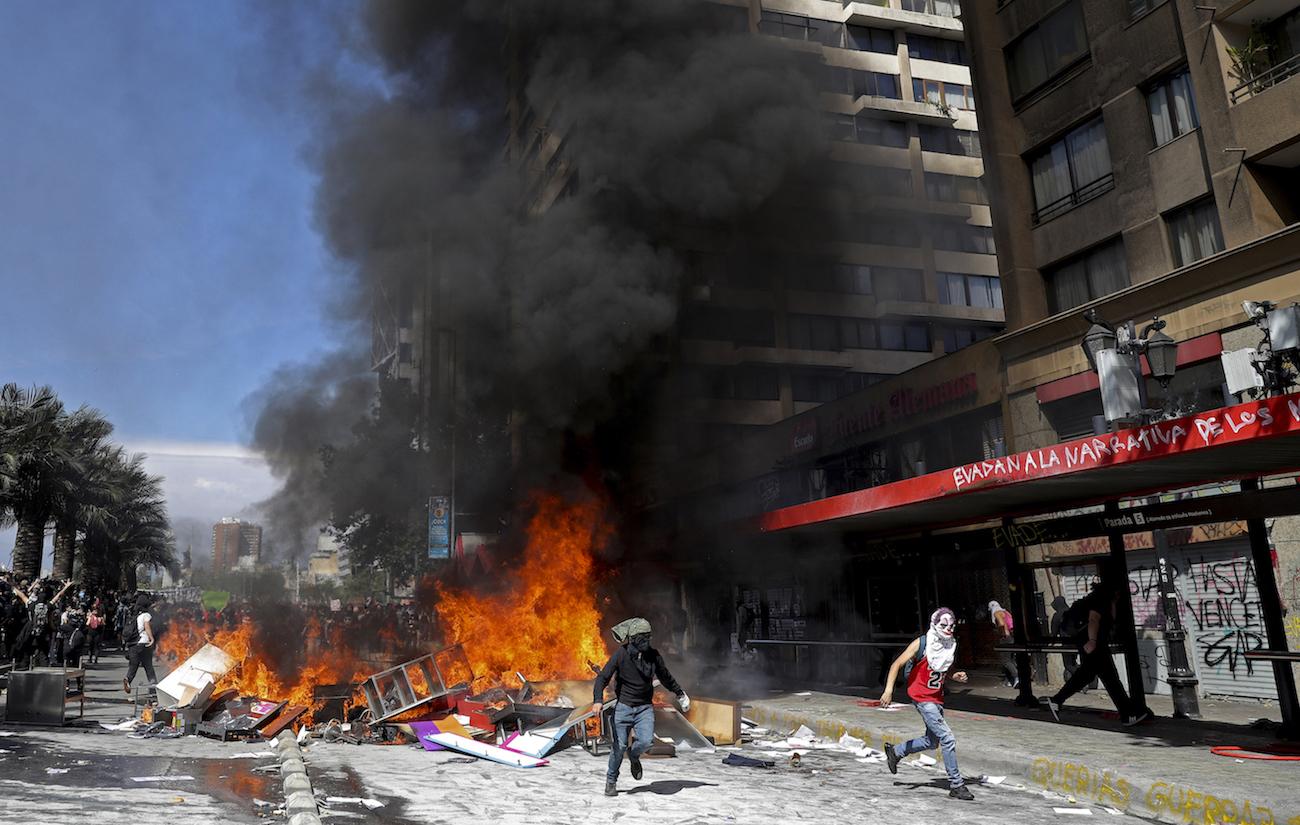 Manifestaciones y actos violentos en Santiago de Chile