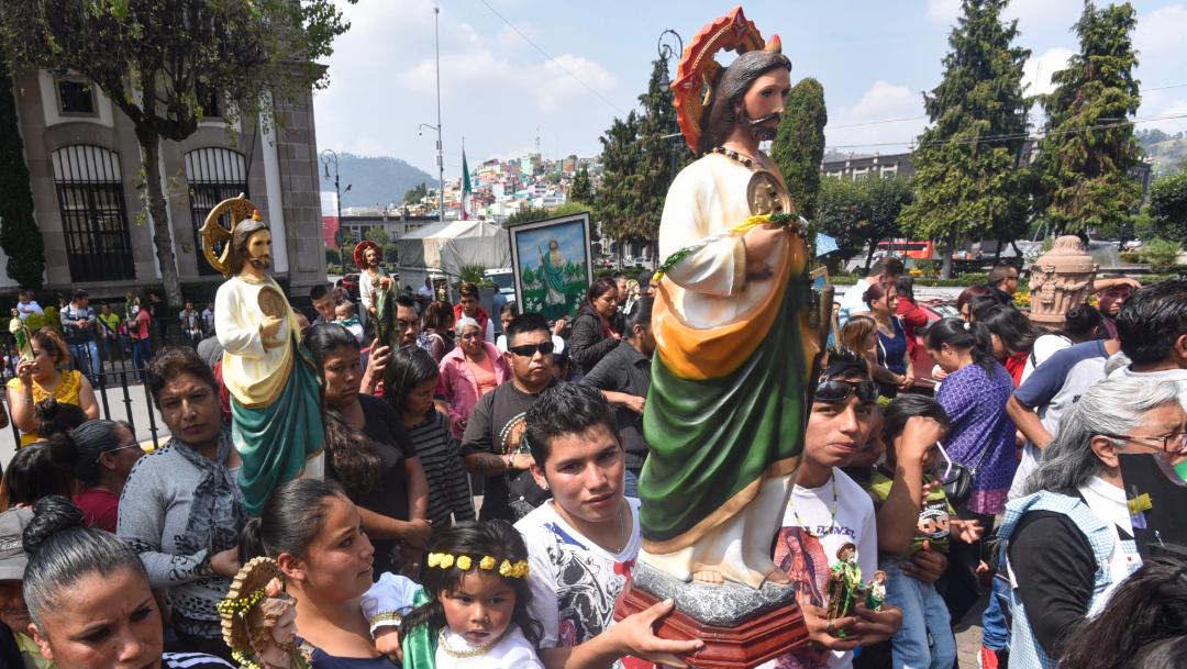 Miles de feligreses se dieron cita en la iglesia de San Hipólito para venerar a San Judas Tadeo. (Cuartoscuro/Crisanta Espinosa)