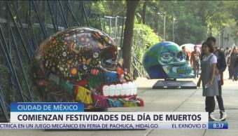 Día de Muertos: Exponen cráneos gigantes en Reforma, CDMX