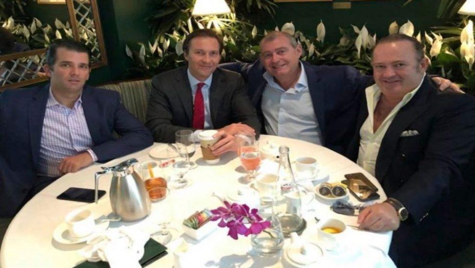 Foto Donald Trump Jr., Tommy Hicks, Jr., Lev Parnas e Igor Fruman