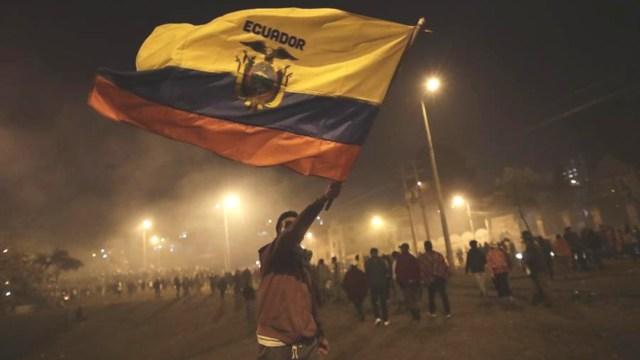 Tras once días de protestas, finaliza lucha en Ecuador; miles festejan en las calles