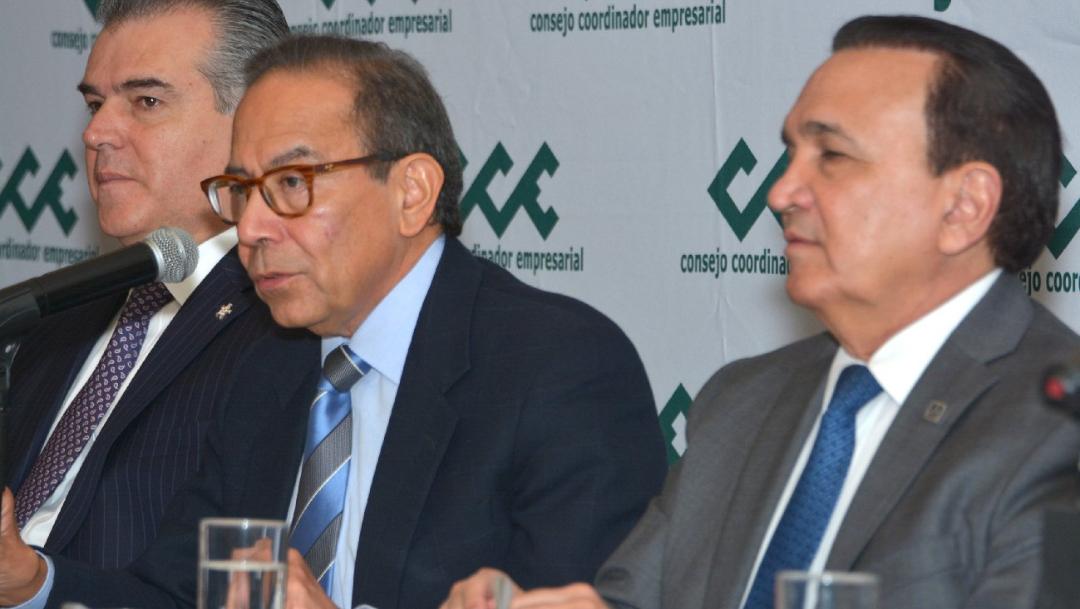 Foto: Carlos Salazar en conferencia de prensa esta mañana, 23 de octubre de 2019 (Twitter @CCEoficial)