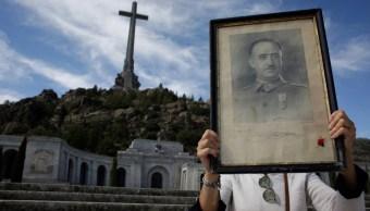 España fija plazo para exhumar a Franco antes de elecciones