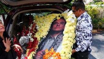 FOTO Familiares y artistas despiden a José José en Miami (AP)