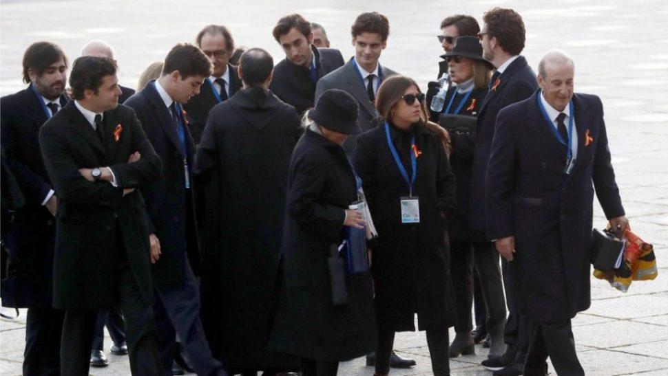 Foto Familia y Gobierno entran a basílica para exhumar a Franco