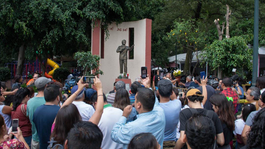 Imagen: El cuerpo sería enterrado en el Panteón Francés, junto a los restos de su madre, Margarita Ortiz, quien falleció en 2004, 2 de octubre de 2019 (Mario Jasso /Cuartoscuro.com)