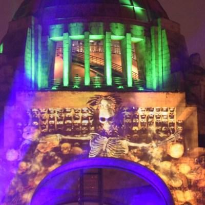 Festival Día de Muertos CDMX arranca con video mapping en Monumento a la Revolución