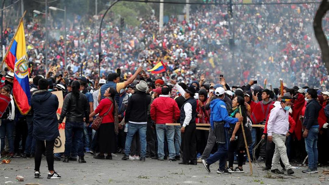 Foto: El presidente ecuatoriano censuró anoche en un mensaje a la nación que elementos del anterior Gobierno de Rafael Correa buscan desestabilizar el país, 8 de octubre de 2019 (EFE)