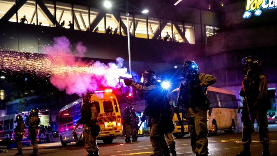 Foto: Algunos manifestantes han optado por tácticas más radicales que la protesta pacífica y los enfrentamientos violentos con la Policía son habituales, 7 de octubre de 2019 (Reuters)