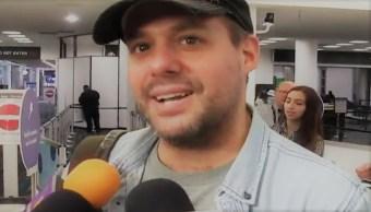 José Joel regresa a México; hace tregua con Sarita 'por homenajes' a José José