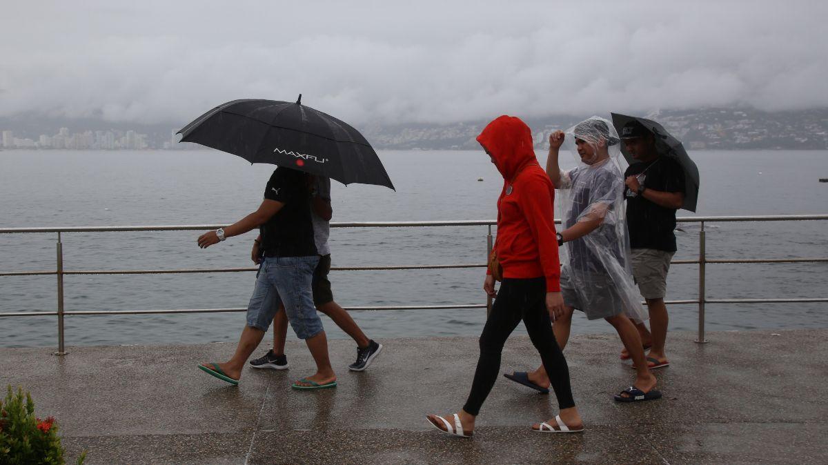 Lluvias en el puerto de Acapulco, Guerrero.