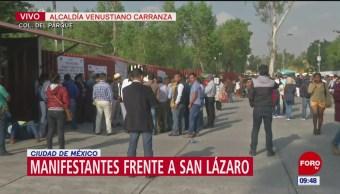 Manifestantes protestan frente a San Lázaro, en CDMX