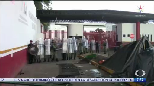 Migrantes africanos agreden a policías en Chiapas