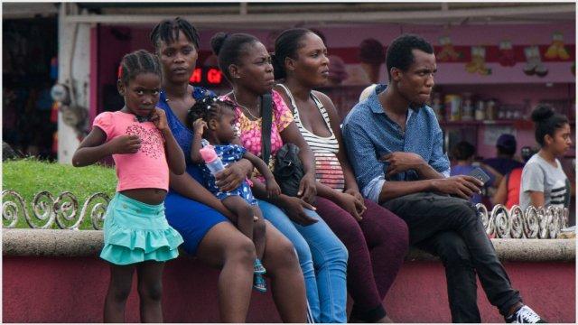 Imagen: Migrantes dejan la ciudad de Tapachula con destino a Estados Unidos, 12 de octubre de 2019 (GALO CAÑAS /CUARTOSCURO.COM)