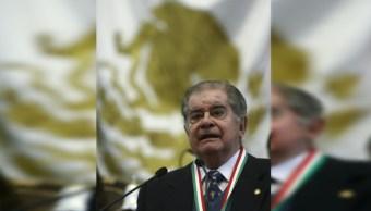 Foto: Miguel León Portilla durante la ceremonia de la entrega de las Medallas al Mérito en Ciencia y Artes por parte de la ALDF, 2 octubre 2019