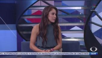 Paola Longoria en el estudio de Al Aire con Paola Rojas