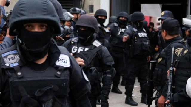 Imagen: Los elementos tienen investigaciones previas por su presunta participación en la protección a integrantes y cobro de rentas al grupo criminal