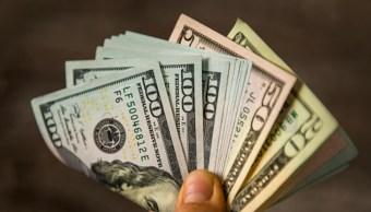 Imagen: El dólar tocó un máximo de sesión luego de la publicación de las cifras del PIB estadounidense, 30 de octubre de 2019 (Getty Images, archivo)