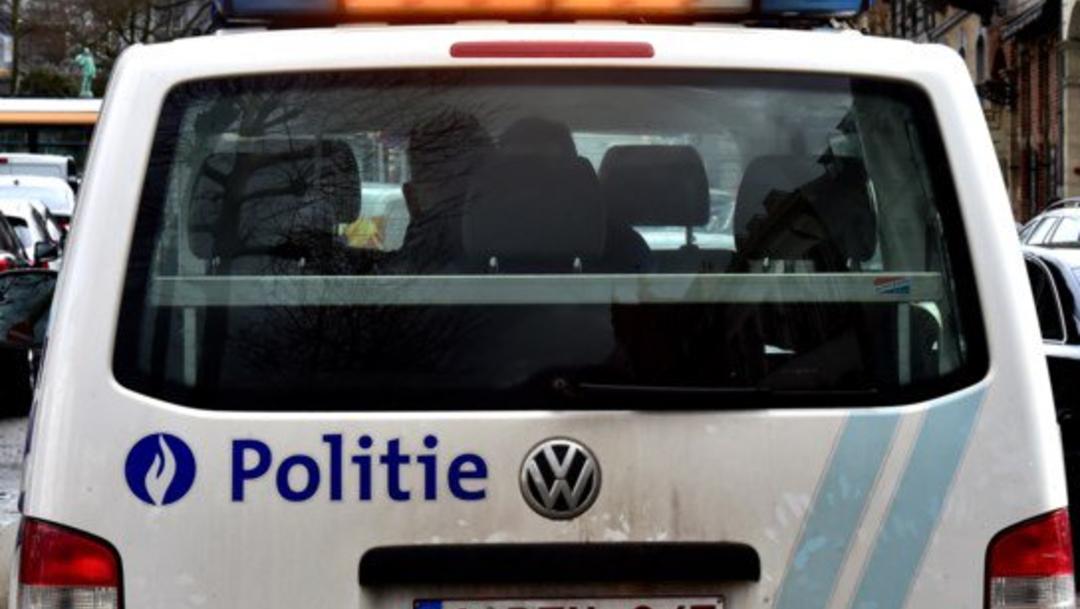 Foto: El conductor del vehículo lanzó una alerta al sospechar la presencia de gente en el camión, 30 de octubre de 2019 (Twitter @PolBegov)