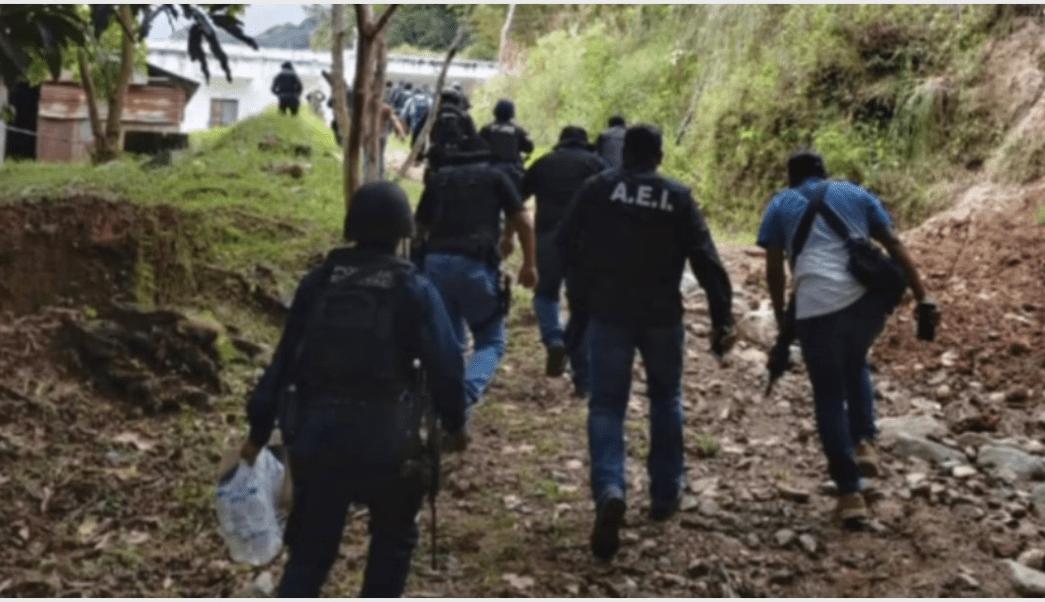 Foto: Dos policías fueron rescatados con vida en Oaxaca, 8 de octubre de 2019 (Foro TV)
