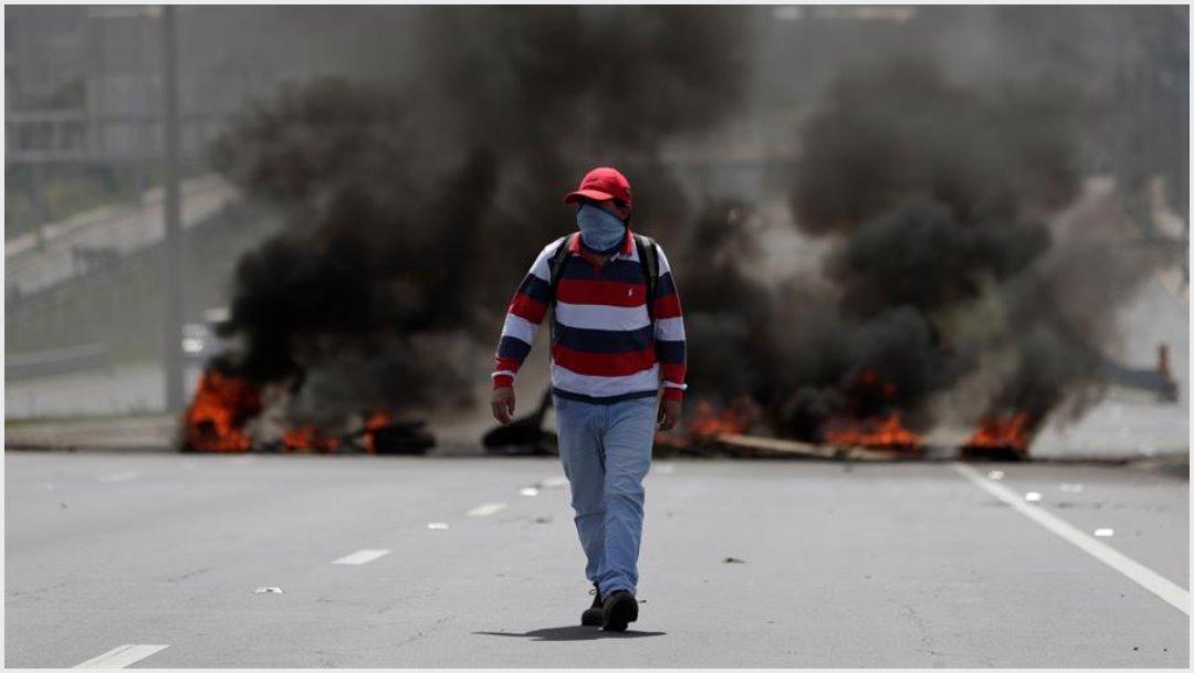 Foto: Las protestas en Ecuador estallaron cuando entró en vigor un decreto ejecutivo que eliminó el subsidio al precio de la gasolina, 12 de octubre 2019 (EFE)