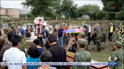 Rinden homenaje a militar asesinado durante enfrentamiento en Iguala