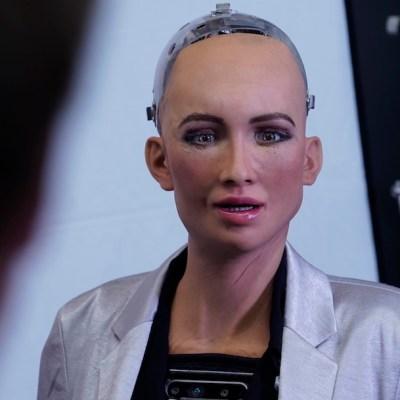 Empresa paga 2 millones de pesos para usar tu cara en los rostros de sus robots