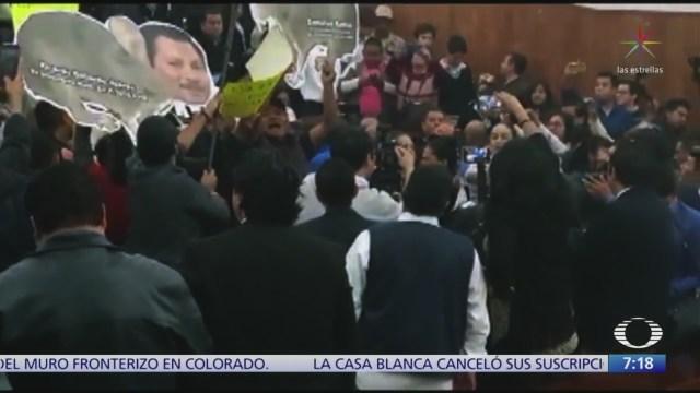 Se desatan golpes en Congreso de San Luis Potosí