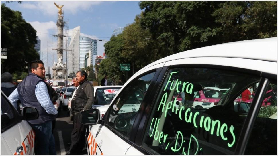 Foto: Taxistas del Estado de México también participaron en el bloqueo sobre Paseo de la Reforma, 7 de octubre de 2019 (GALO CAÑAS /CUARTOSCURO.COM)