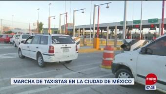 Taxistas bloquean carriles en la caseta México-Pachuca