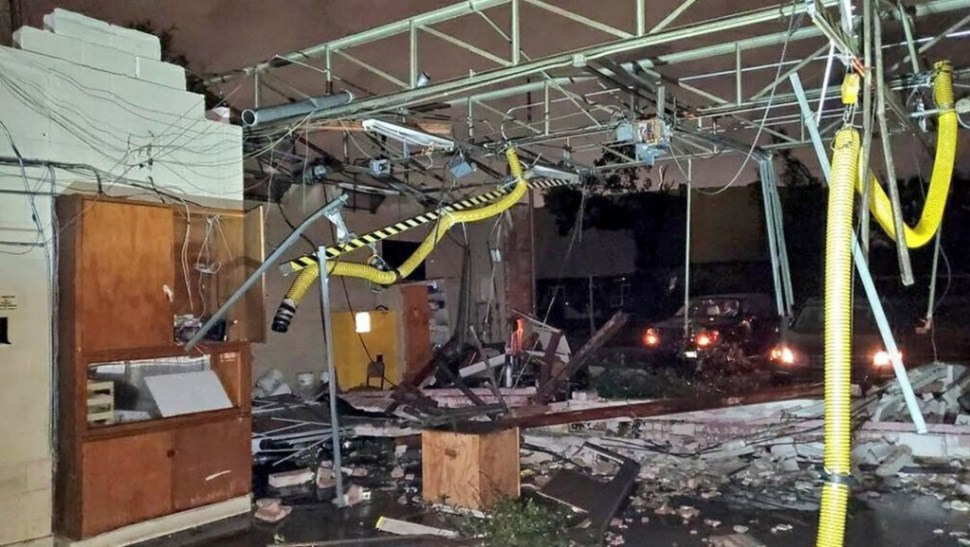 Foto Tornado deja al menos seis heridos y graves daños en Texas