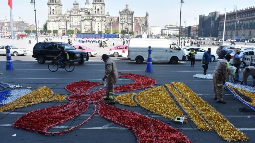 Foto: Decoración navideña del Zócalo se hace con material reciclado