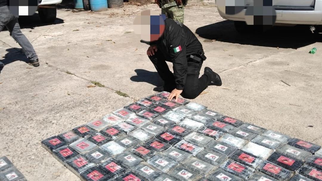 Foto: Sedena decomisa una tonelada de cocaína en Tabasco, 30 de noviembre de 2019, (@FGRMexico)